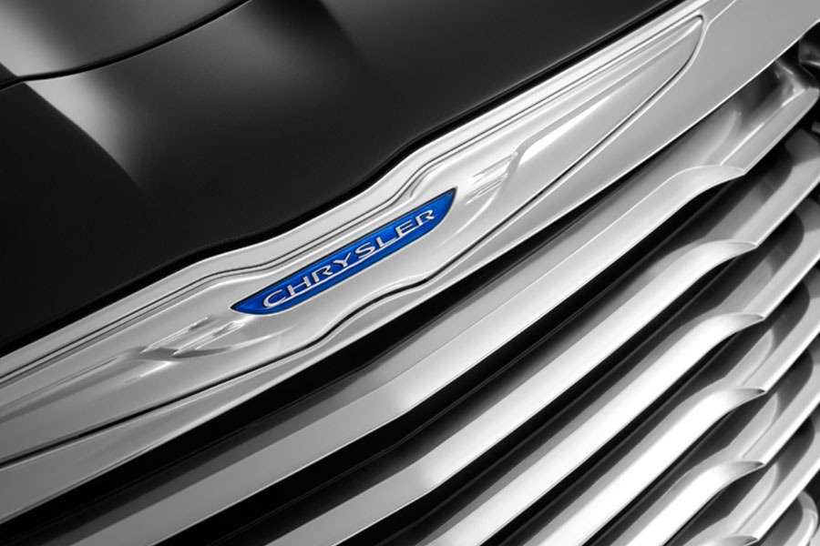 02-2011-chrysler-300-teasers