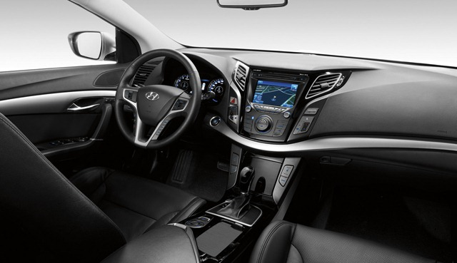 Hyundai mostra o interior do Novo i40 CW