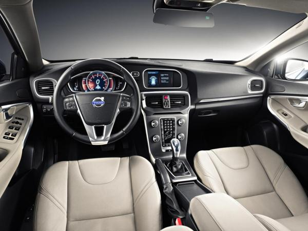 volvo-v40-cross-country-interior